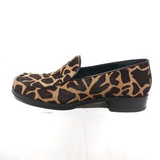 フェンディ(FENDI)のFENDI(フェンディ) 36 レディース - ハラコ(ローファー/革靴)