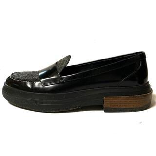 トッズ(TOD'S)のトッズ 38 レディース - 黒 レザー×ウール(ローファー/革靴)