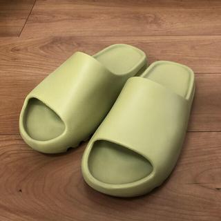 アディダス(adidas)のADIDAS YEEZY SLIDE RESIN 28.5cm US10(サンダル)
