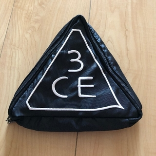 3ce 三角化粧ポーチ