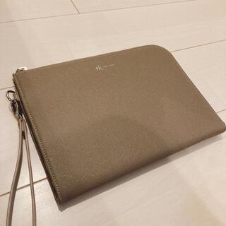 タケオキクチ(TAKEO KIKUCHI)のTK クラッチバック 美品 ベージュ セカンドバック カバン(セカンドバッグ/クラッチバッグ)