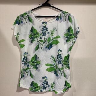 【新品タグ付】綺麗な総柄涼やかなデザインのプリントTシャツ(Tシャツ(半袖/袖なし))