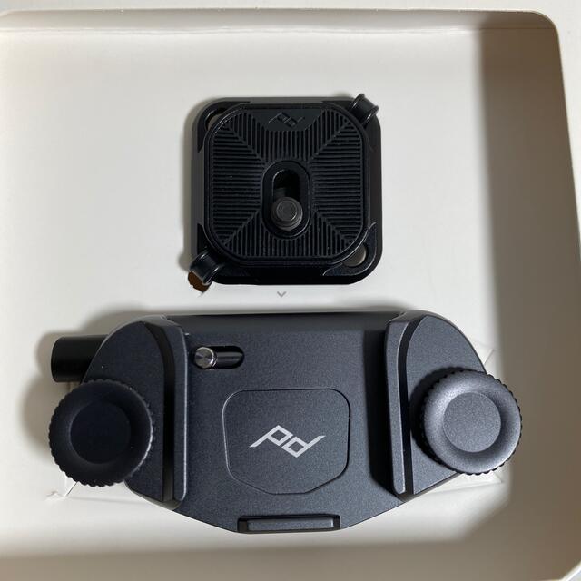 ピークデザイン peak design capture 黒 美品 スマホ/家電/カメラのカメラ(その他)の商品写真
