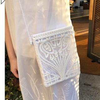 マメ(mame)の新品 2021Mame Kurogouchi コード刺繍バッグ 白(ショルダーバッグ)