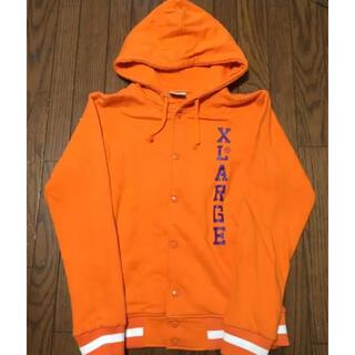 XLARGE - シーズンオフ特価 X-LARGE スタジャン風パーカー オレンジ Mサイズ