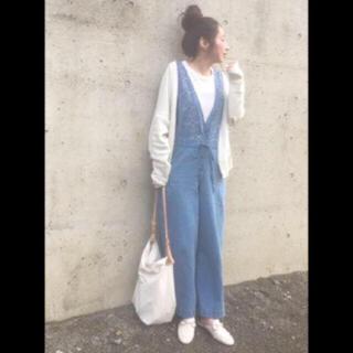 アーバンリサーチ(URBAN RESEARCH)の☆アーバンリサーチ刺繍サロペット☆(サロペット/オーバーオール)