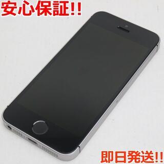 アイフォーン(iPhone)の美品 DoCoMo iPhoneSE 16GB スペースグレイ (スマートフォン本体)