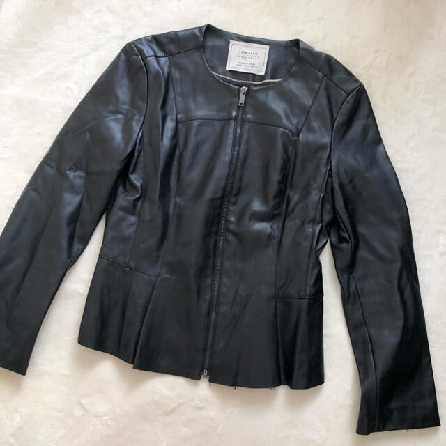 ZARA(ザラ)のZARA フリル レザージャケット   レディースのジャケット/アウター(ライダースジャケット)の商品写真