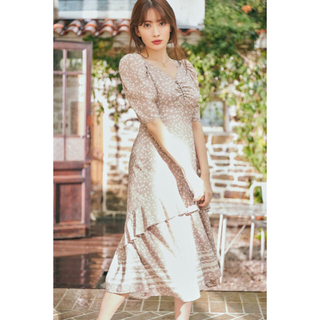 スナイデル(snidel)のLip Floral-printed Midi Dress herlipto(ひざ丈ワンピース)