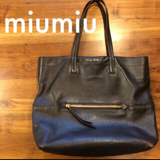 ミュウミュウ(miumiu)のmiumiu レザートートバッグ A4サイズ(トートバッグ)