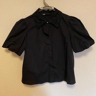 ザラ(ZARA)のZARA   パフスリーブシャツ 襟レース ブラック(シャツ/ブラウス(半袖/袖なし))