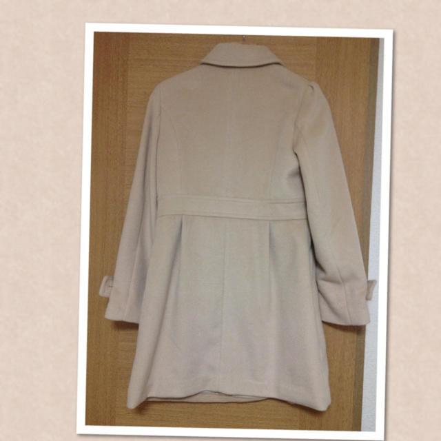a.v.v(アーヴェヴェ)のa.v.v ベージュ コート 美品 レディースのジャケット/アウター(ロングコート)の商品写真
