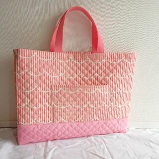 ストライプ&フリル柄 レッスンバッグ キルティング生地使用 ピンク 女の子 (バッグ/レッスンバッグ)