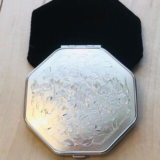 SHISEIDO (資生堂) - 【非売品】【未使用】資生堂 鏡 ミラー コンパンク パフ付き