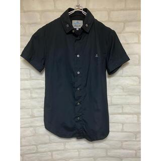 ヴィヴィアンウエストウッド(Vivienne Westwood)のヴィヴィアンウエストウッドマン 半袖シャツ ブラック Mサイズ トップス(Tシャツ/カットソー(半袖/袖なし))
