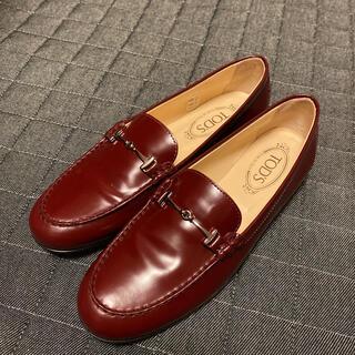 トッズ(TOD'S)の【サイズ40】トッズ ローファー(ローファー/革靴)