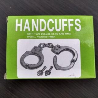 手錠(鉄製)鍵2つ付き(小道具)
