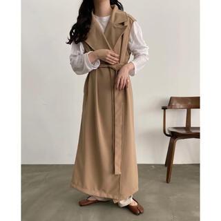 トゥデイフル(TODAYFUL)のlawgy long design vest(トレンチコート)