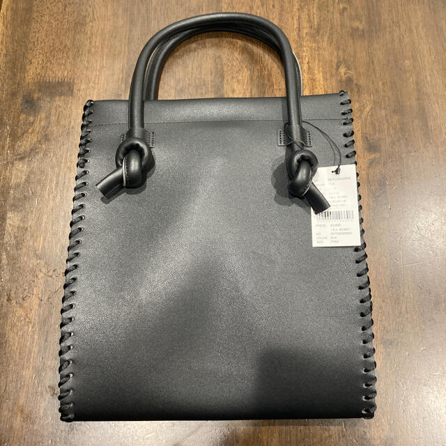 nuna(ヌナ)のneuna トートバック 黒 レディースのバッグ(トートバッグ)の商品写真