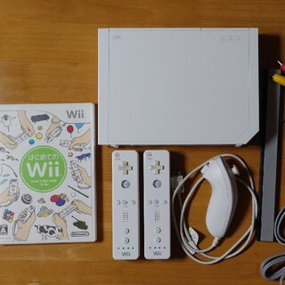 Wii - wii本体、wiiリモコン、ヌンチャク、wii用ソフト「はじめてのwii」
