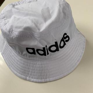 アディダス(adidas)のアディダス★ロゴバケットハット★男女兼用★帽子(その他)