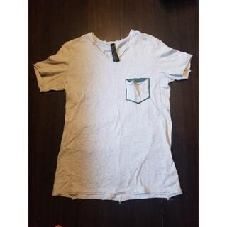 イサムカタヤマバックラッシュ(ISAMUKATAYAMA BACKLASH)のwjk レザーポケットVネックTシャツ(Tシャツ/カットソー(半袖/袖なし))