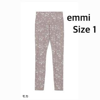 エミアトリエ(emmi atelier)のエミemmi yogaウィンターフラワーレギンス サイズ1(ヨガ)
