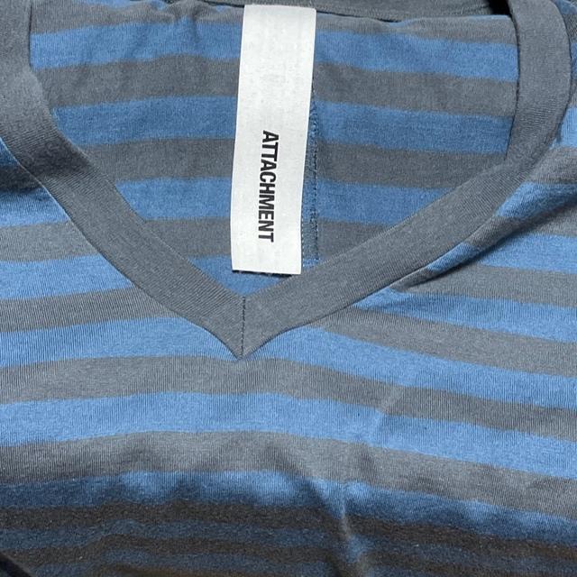 ATTACHIMENT(アタッチメント)の除菌済み☆ アタッチメント ATTACHMENT VネックTシャツ  ボーダー  メンズのトップス(Tシャツ/カットソー(半袖/袖なし))の商品写真