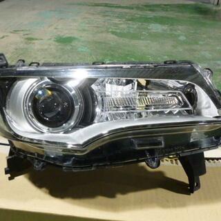 ミツビシ(三菱)の三菱 eKカスタム DBA-B11W-LTUX 純正 ヘッドランプ 右(車種別パーツ)