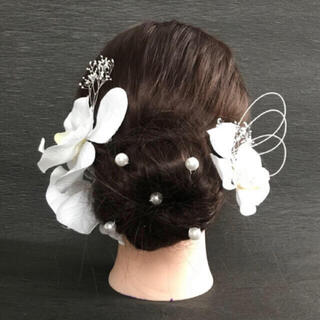 胡蝶蘭 3輪 かすみ草 水引き パール 結婚式 卒業式 成人式 髪飾り 純白 (ヘッドドレス/ドレス)