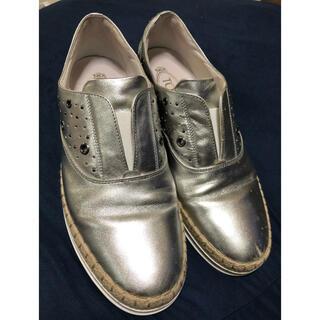 トッズ(TOD'S)のトッズ シルバー シューズ(ローファー/革靴)