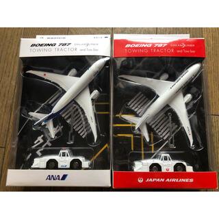 エーエヌエー(ゼンニッポンクウユ)(ANA(全日本空輸))のダイキャストセット JAL ANA 飛行機&トーイングトラクター(航空機)