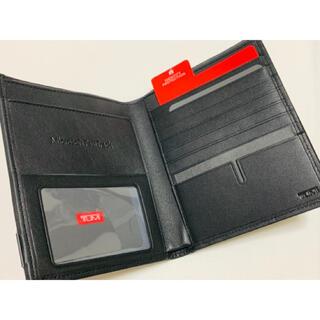 トゥミ(TUMI)の【未使用】TUMI のパスポートケース・カバー Microsoft コラボ(旅行用品)