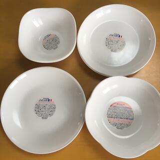 ヤマザキ春のパンまつり 白いお皿2枚×4種セット