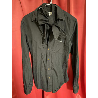 ヴィヴィアンウエストウッド(Vivienne Westwood)のVivienne Westwood MAN リボンタイオーブ刺繍シャツ(シャツ)