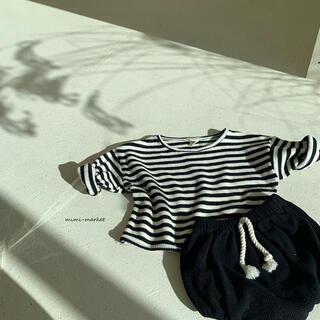 プティマイン(petit main)の【新品】韓国ベビー服 ワッフル生地 セットアップブラック(シャツ/カットソー)