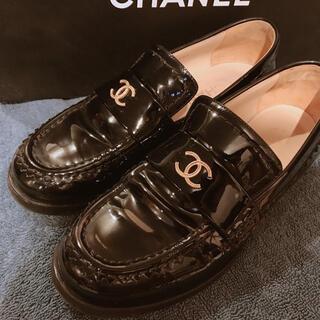 シャネル(CHANEL)の◾️正規品 CHANEL パテントローファー シャネル(ローファー/革靴)