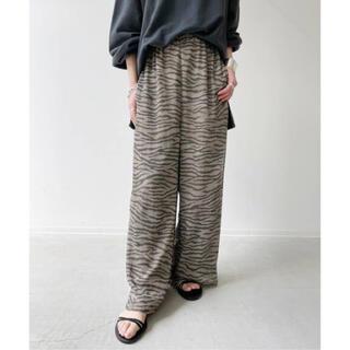 アパルトモンドゥーズィエムクラス(L'Appartement DEUXIEME CLASSE)のL'Appartement アパルトモン Lisiere Zebra Pants(クロップドパンツ)