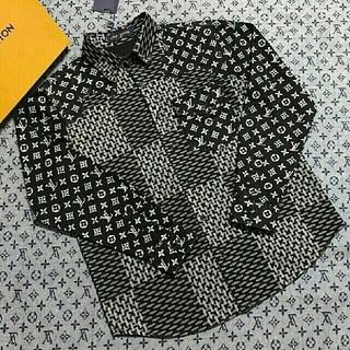 ルイヴィトン(LOUIS VUITTON)の☆人気限定フルプリントのジャカードロゴ薄手のシャツ(シャツ)