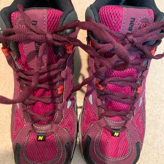 ニューバランス(New Balance)のnew balance 登山靴 24(登山用品)