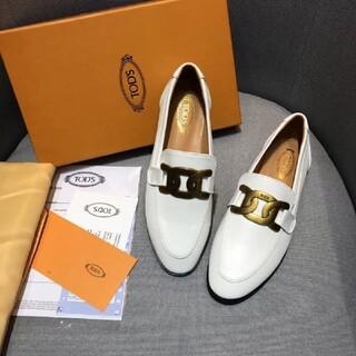 トッズ(TOD'S)の 極美品【TODS】-105693c(ローファー/革靴)