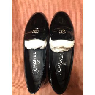 シャネル(CHANEL)のCHANEL パール オペラシューズ ローファー 34.5 21.5cm(ローファー/革靴)