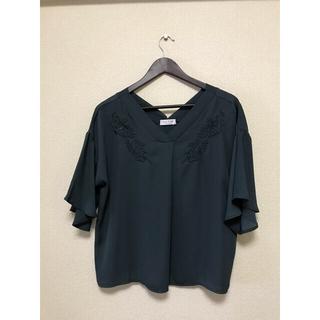 エニィファム(anyFAM)の新品 刺繍入りブラウス トップス 5分丈(シャツ/ブラウス(半袖/袖なし))