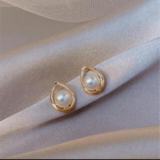 ヨンドシー(4℃)のdrop perl  pierce⚪︎18k coating(ピアス)