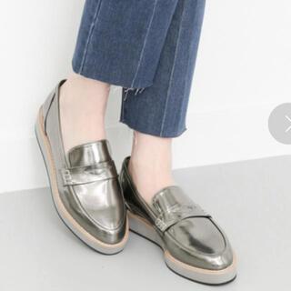 ケービーエフ(KBF)のKBF 厚底ローファー(ローファー/革靴)