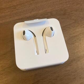 アップル(Apple)の【Apple】〈新品未使用〉iPhoneイヤホンApple純正品(ヘッドフォン/イヤフォン)