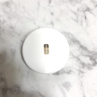 クリニーク(CLINIQUE)のクリニーク パウダーケース パフ付き ミラー付き(ボトル・ケース・携帯小物)