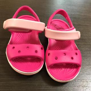 クロックス(crocs)の新品未使用 クロックス 赤ちゃん靴 キッズ靴 ピンクサンダル (サンダル)