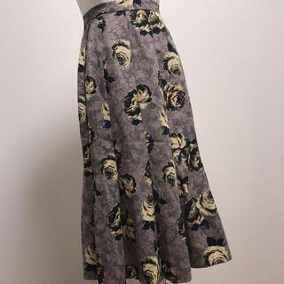グリモワール(Grimoire)のブラウン系 花柄 薔薇 レース模様 タック 昭和レトロ 古着 ロングスカート (ロングスカート)