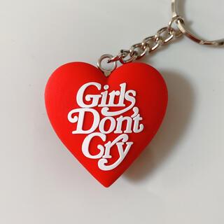 ジーディーシー(GDC)の大人気レッドgirls don't cryGDC HEART KEYCHAIN(キーホルダー)